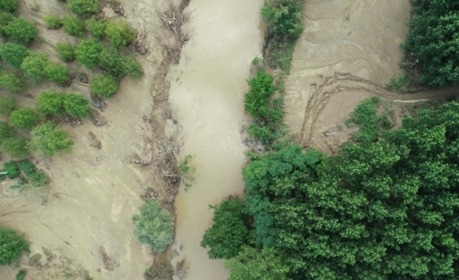 Düzce'de selin meydana getirdiği hasar havadan görüntülendi