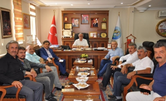 AK Parti Teşkilatından MHP'li Başkan Dönmez'e ziyaret