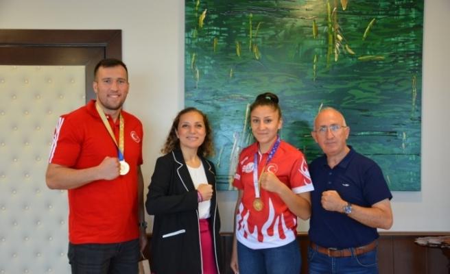 Dünya şampiyonlarından Rektör Çakar'a ziyaret