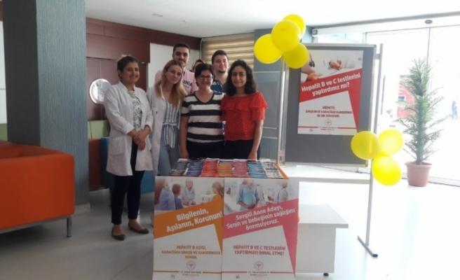 """Düzce Üniversitesi Hastanesi'nde """"Hepatit Farkındalık"""" standı kuruldu"""
