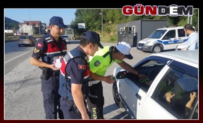 Jandarma ve polis ekiplerinden şeker gibi çevirme!..