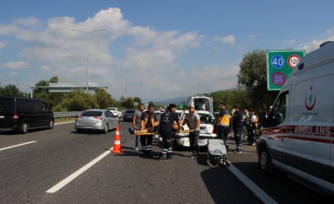 TEM Otoyolunda kazalar nedeniyle trafik durma noktasına geldi
