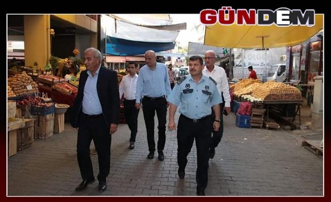Çetin Bozkurt, pazarcı esnafını ziyaret etti