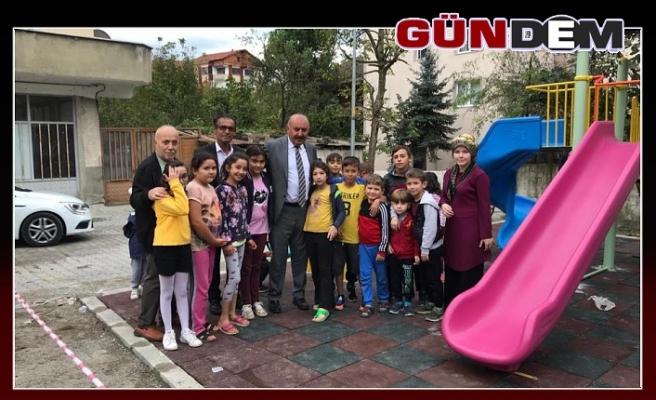 ÇOCUKLAR BAŞKAN ÖZTÜRK' E TEŞEKKÜR ETTİ