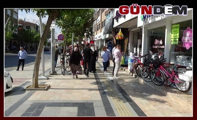 Düzceliler kendilerini binalardan dışarı attı!..