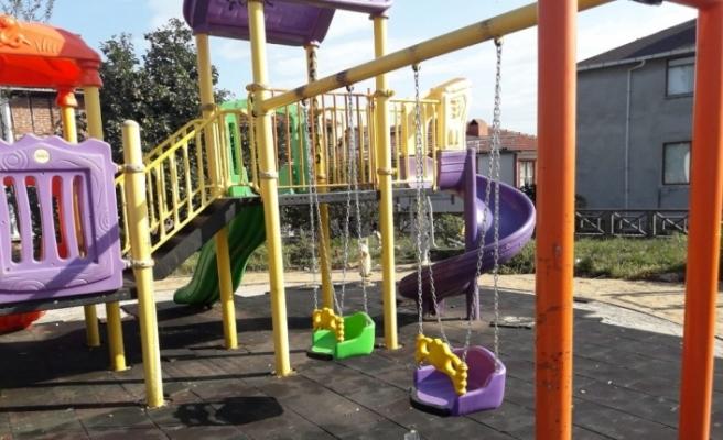Akçakoca'da parkları elden geçiriliyor