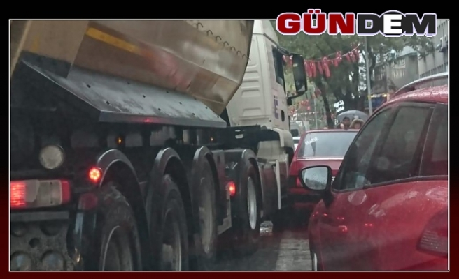 Gazipaşa'da maddi hasarlı kaza!