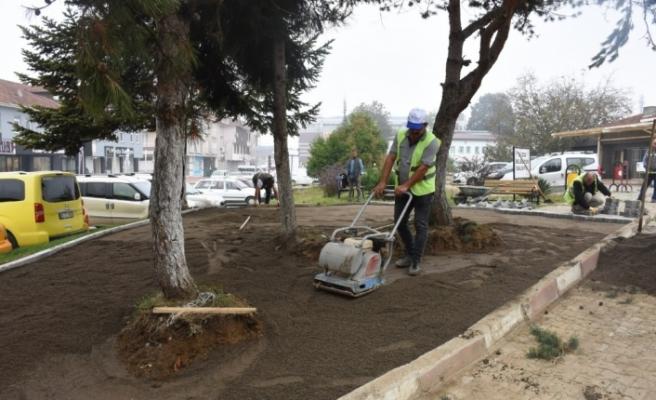 Hastane Cami çevre düzenlemesi yapılıyor