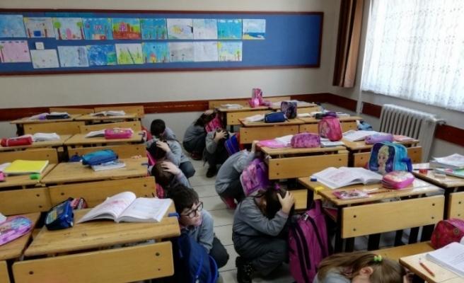 Safranbolu'da okullarda deprem tatbikatı yapıldı