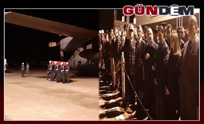 Bartınlı şehidin naaşı uçakla Zonguldak'a getirildi...