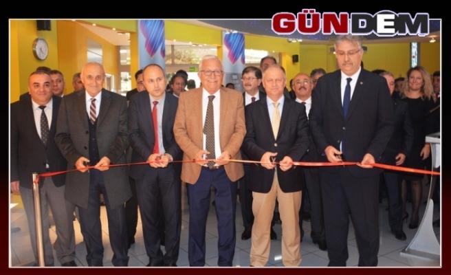 Posbıyık ERDEMİR 'in sergisine katıldı