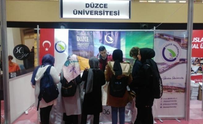 Düzce Üniversitesi Sakarya'da Üniversite Adaylarıyla Buluştu