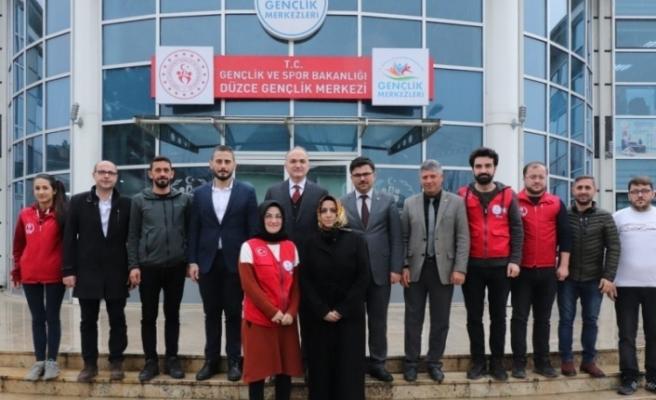 Başkan Faruk Özlü gençlik merkezini ziyaret etti