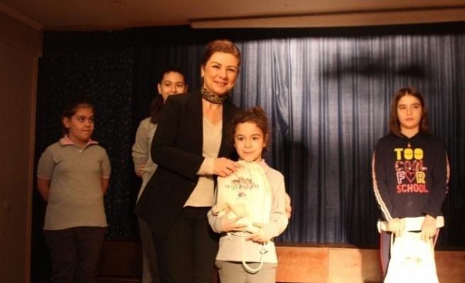 Başkan Köse'den başarılı öğrencilere hediye