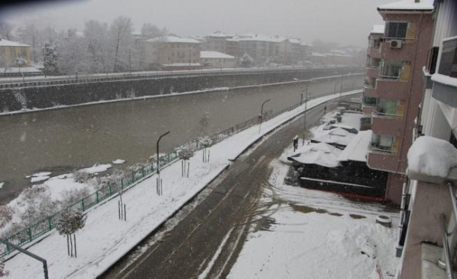 Devrek'te Kar Yağışı Yoğun Şekilde Devam Ediyor