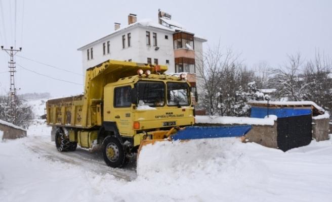 Karabük'te 44 kapalı köy yolu için çalışmalar aralıksız sürüyor