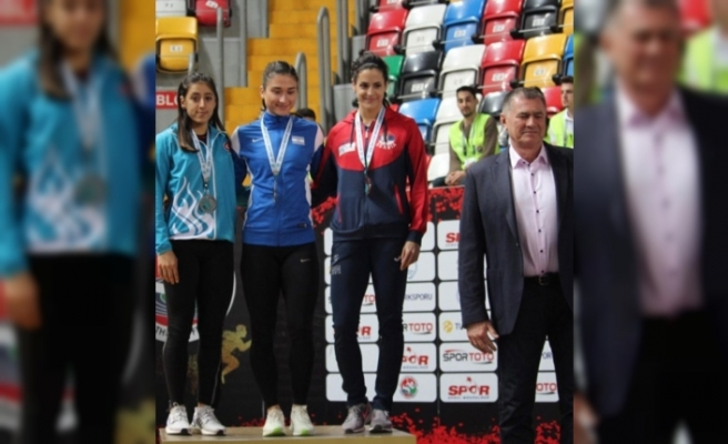 Mizgin Ay, Balkan Şampiyonası'nda gümüş madalya aldı