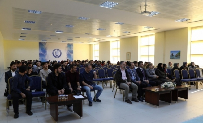 'Etkili Öğretmen Olmak' konulu konferans düzenlendi