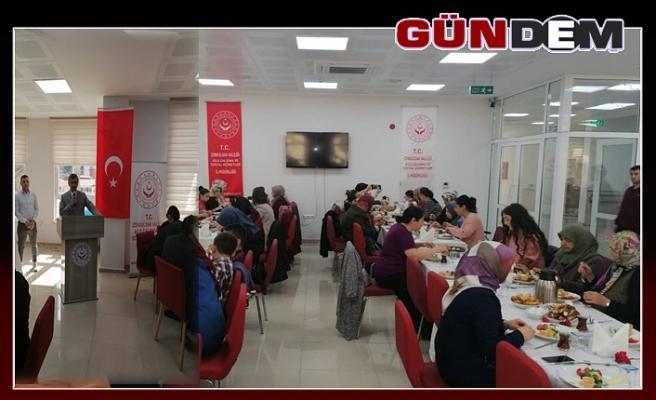 Şehit ve Gazi annelerine kahvaltı...