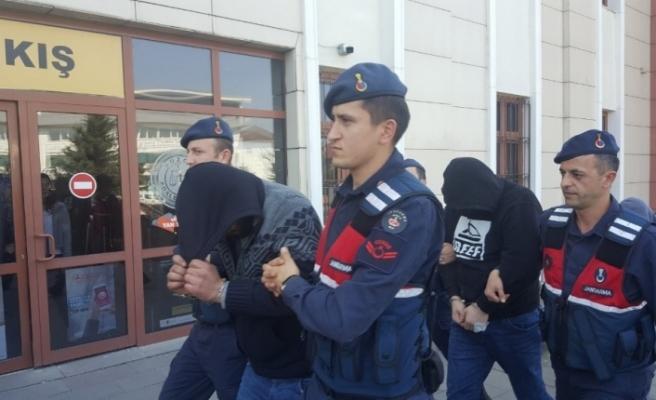 Suç örgütüne darbe: 5 tutuklama