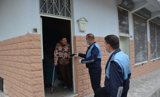 Yenice Belediyesi ekipleri yaşlıların ihtiyacını karşılıyor