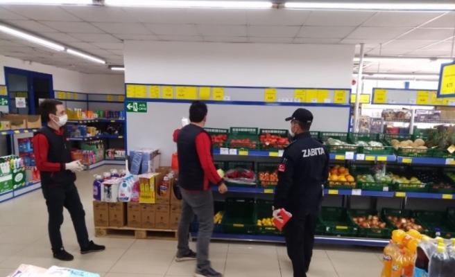Zabıta ekipleri marketleri denetledi