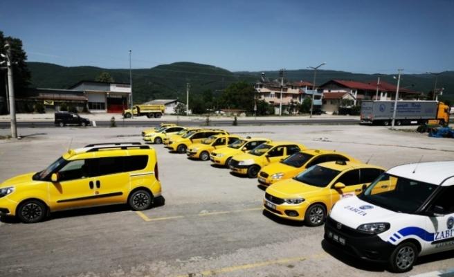 Kaynaşlı'da tüm taksiler dezenfekte edildi