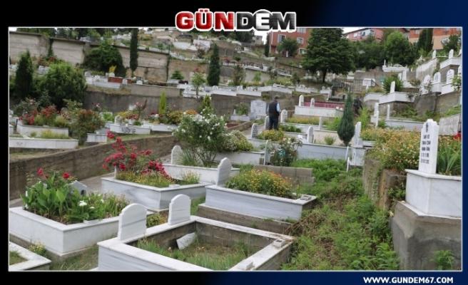 Zonguldak'ta Mezarlıklar ilk kez bu kadar boş kaldı