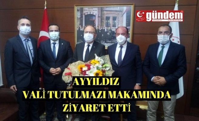 Çevre ve Şehircilik İl Müdürü Şenol Ayyıldız, Vali Mustafa Tutulmaz'ı makamında ziyaret etti.