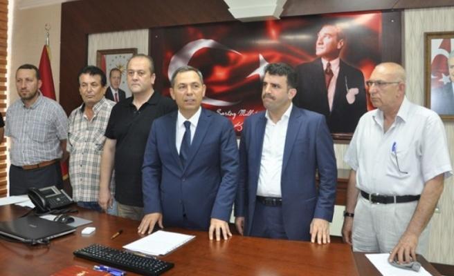 Başkan Uysal, Siyasi Parti ilçe başkanlarıyla birlikte ortak açıklama yaptı;