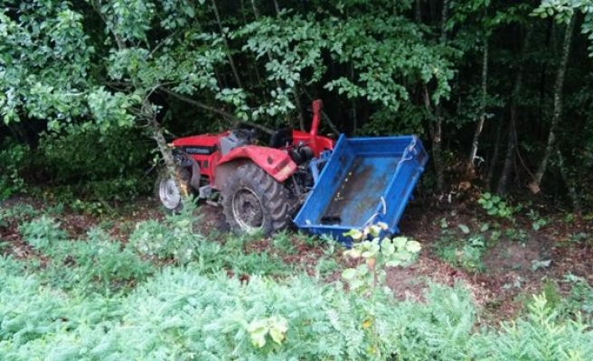 Ereğli´de yoldan çıkan traktör şarampole devrildi: 1 yaralı