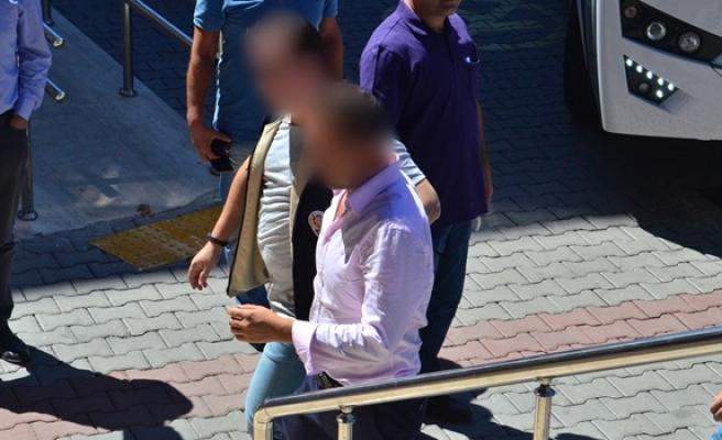 Adliyeye sevk edilen 17 rütbeli askerden 14´ü tutuklandı