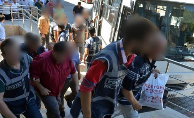Gözaltına alınan 18 şüpheli adliyeye çıkartıldı