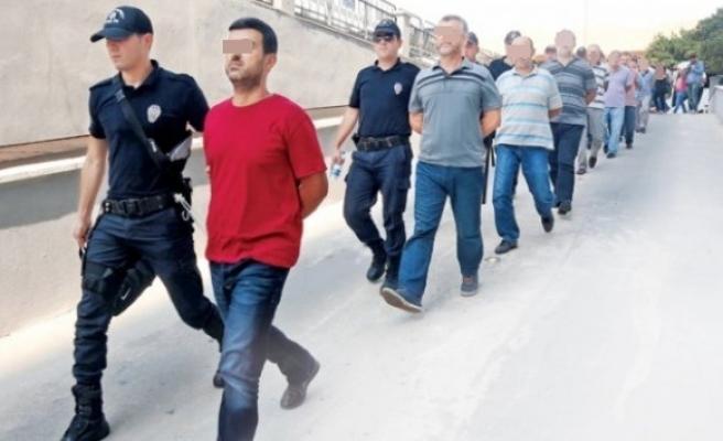 15 Temmuz´un Bilançocu,kaç bin kişi  tutuklandı ?
