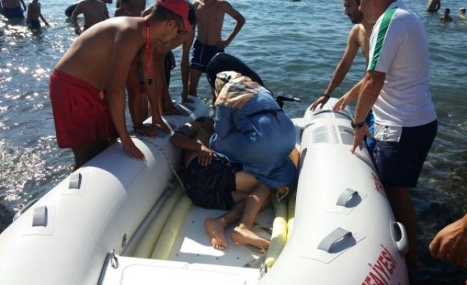 Ereğli´de denize giren 11 kişi boğulmaktan son anda kurtarıldı
