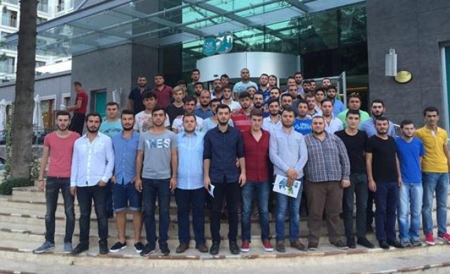 AK Partili gençler istişare kampına katıldı