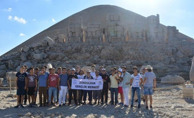 Zonguldak ve Ağrılı gençler Adıyaman'ı gezdi