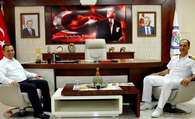 Karadeniz Bölge Komutanı Manioğlu, Başkan Uysal'ı ziyaret etti