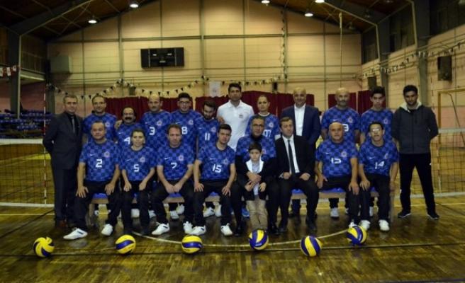 Bedensel Engelliler Voleybol takımına kaymakam ve belediye başkanından büyük destek