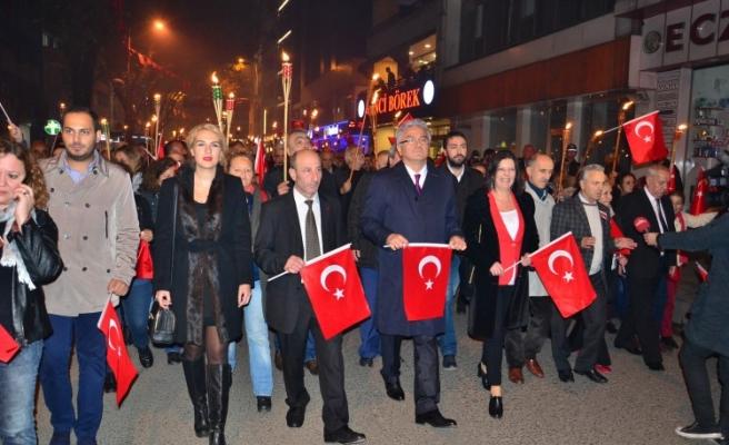 Cumhuriyet Bayramı kapsamında yürüyüş ve fener alayı düzenlendi