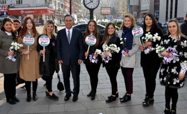 Başkan Uysal, kadına şiddete 'Hayır' dedi