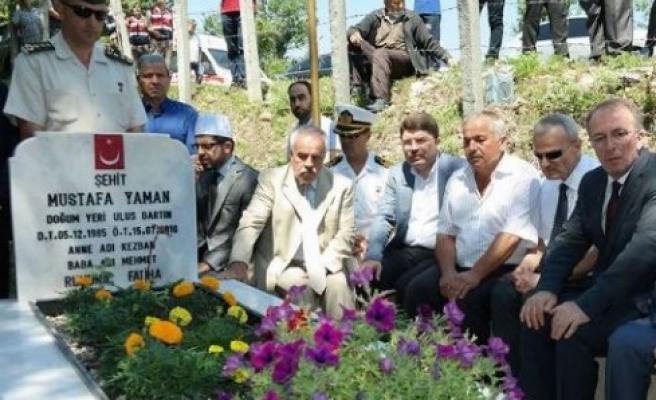 15 Temmuz; Şehit Düşen Yaman'ın Kabri Ziyaret Edildi