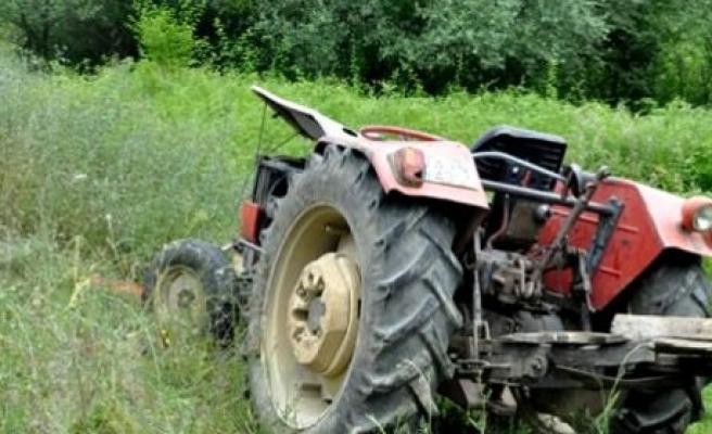 Bartın'da Traktörün Altında Kalan 1 Kişi Hayatını Kaybetti.