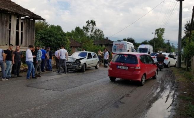 Köy Yolunda Kaza; 2 Yaralı