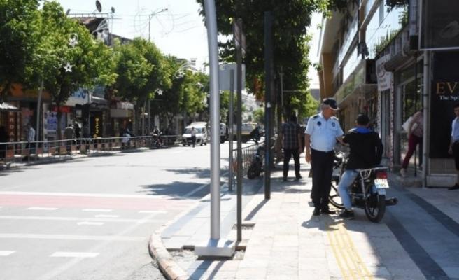 İstanbul Caddesinde motosiklet sürücülerine sıkı denetim