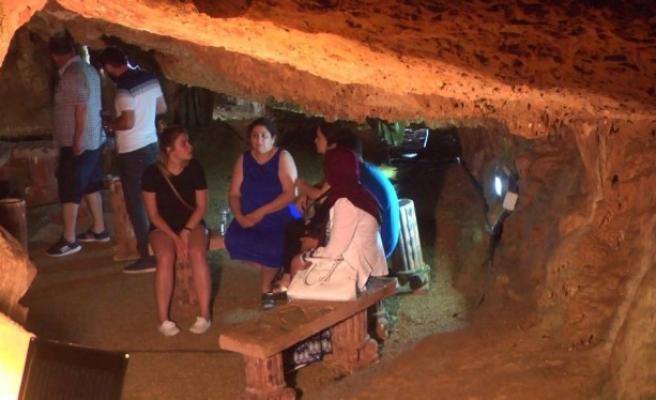 Fakıllı Mağarası yerli ve yabancı turistlerin gözdesi.