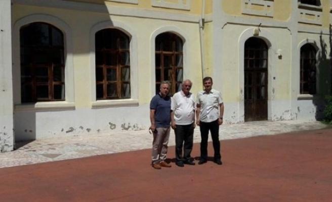Müzeler Müdürü Kurt; Akçakoca'da Tarihi Dokuları İnceledi.
