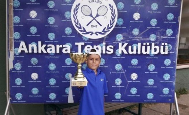 Yaz kupası şampiyonu tenisçi Ulutaş oldu