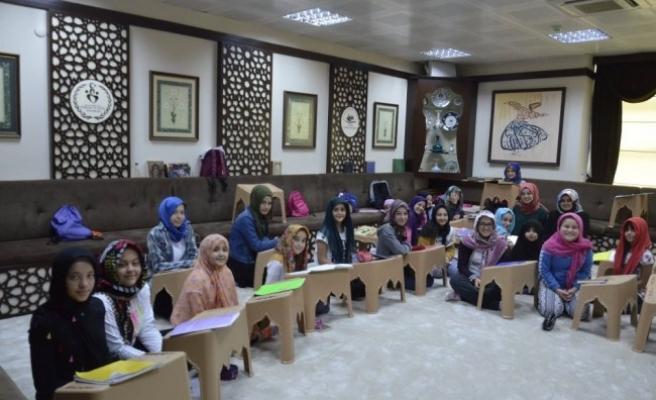 Gençlik Merkezinde Yaz Akademisi  Ara Vermeden
