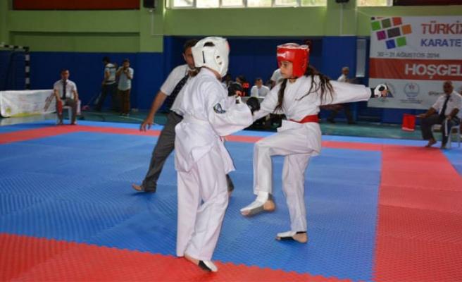 Kyokushin Şampiyonasına 108 milli sporcu mücadele edecek.